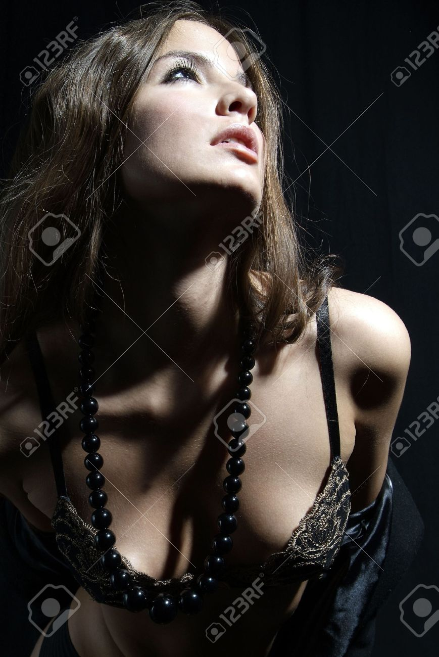 Erotic pearl necklace